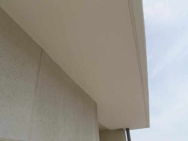 ベランダ庇・手摺壁塗装工事